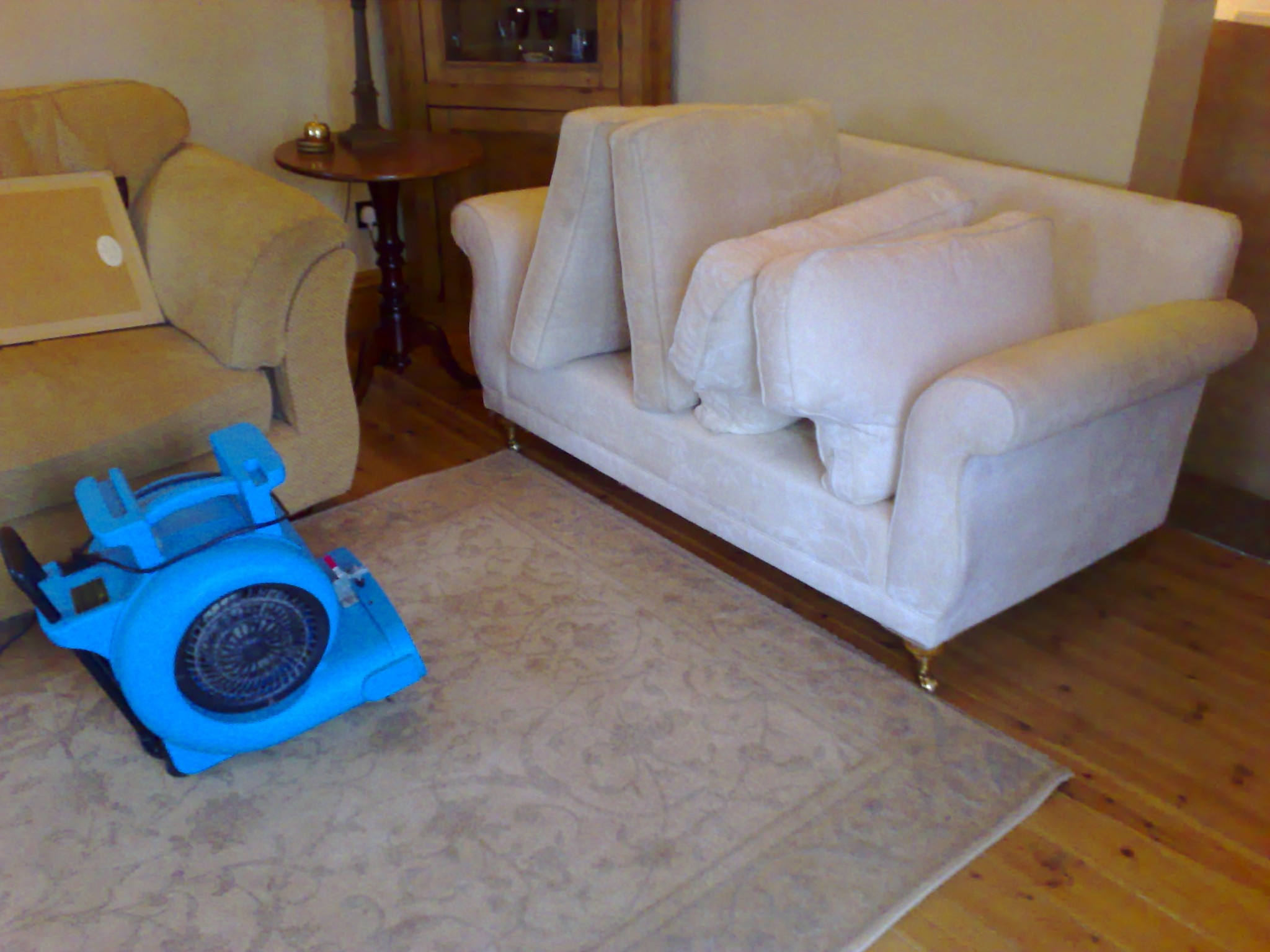 Upholstery cleaning - www.FloorCareSpecialists.co.uk
